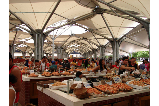Internal view of the Ananindeua Fish and Fruit Fair
